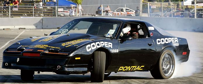Pics and Vids of the Day  - Page 38 Drift-pontiac-firebird