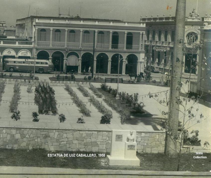 Monumento dedicado a Don José de la Luz y Caballero Tt-parque-estatualuzcaballero-