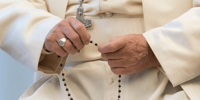 البابا فرنسيس يتلو صلاة المسبحة مع مزارات من جميع أنحاء العالم.. السبت Mary_20-34-660x330