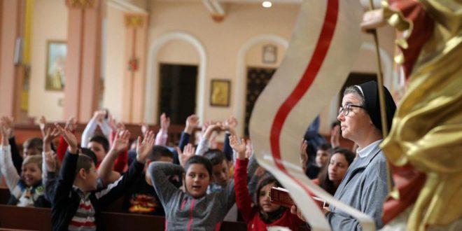 ألفاتيكان ينشر دليلاً جديداً للتعليم المسيحي: علينا أن نجعل الإنجيل آنياً على الدوام   %D9%A1%D9%A1-5-660x330