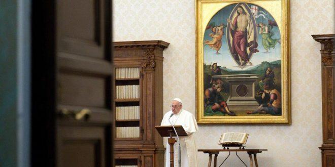 البابا فرنسيس في 'اثنين الملاك': يسوع حيّ، وقد انتصرت المحبة! PF05042021_0-660x330