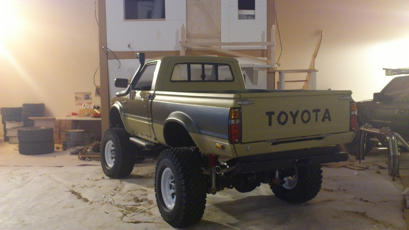 Toyota HiLux (Back in business P.5 ) - Page 4 Tamiya_Hilux_010_Toyota
