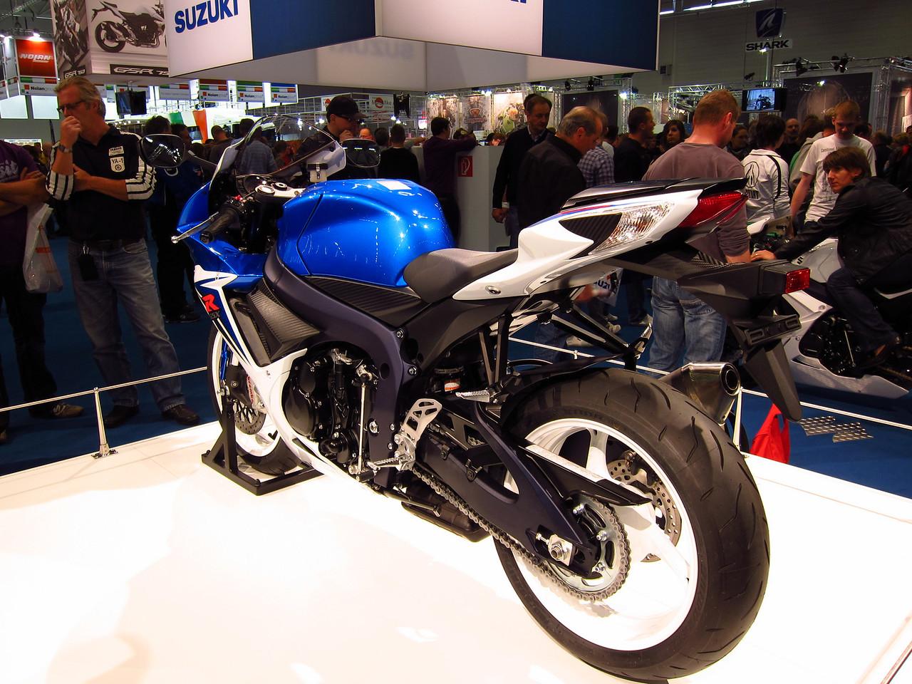 2011 SUZUKI GSX-R - Σελίδα 3 1041863538_uNq5u-X2