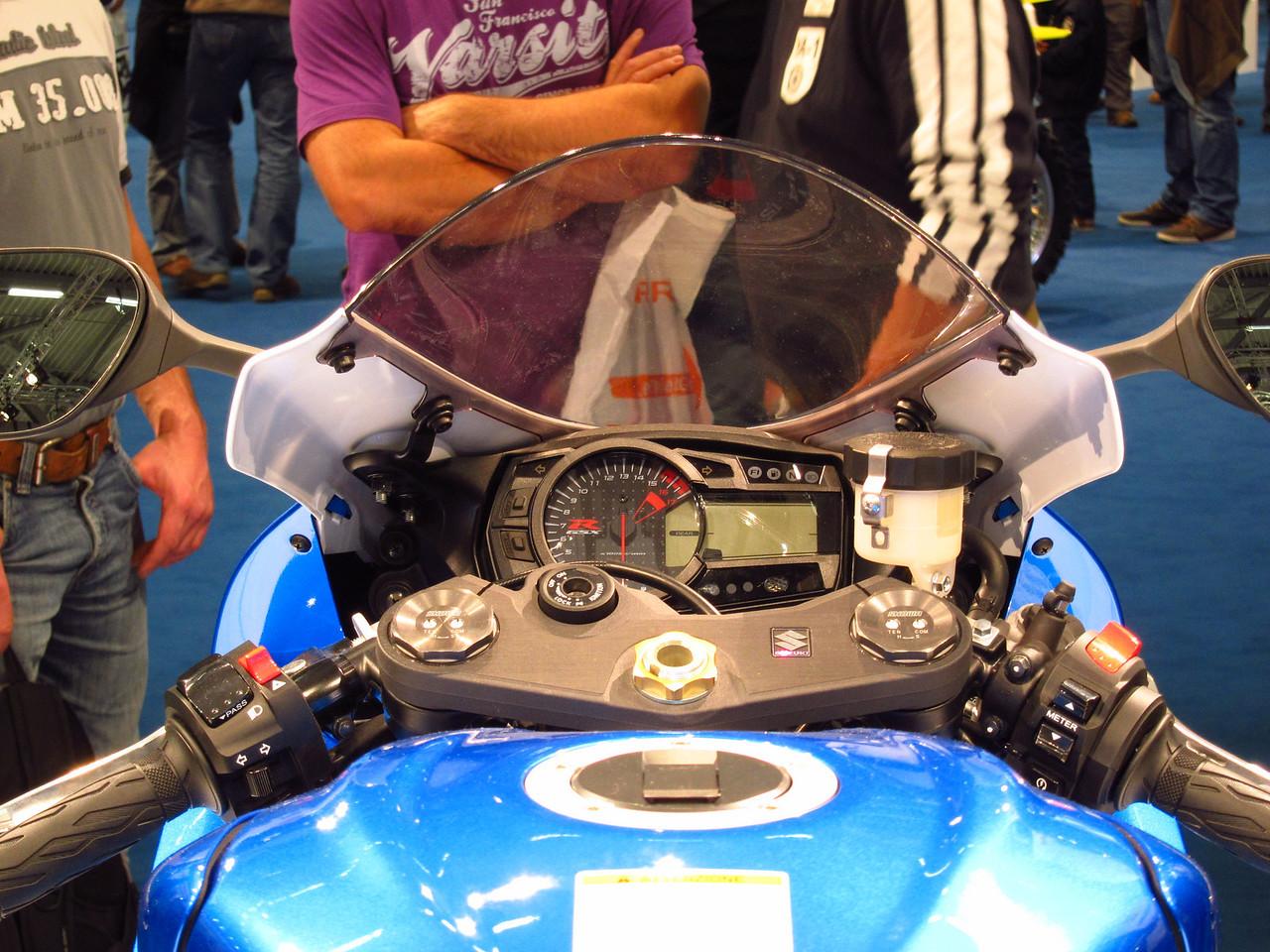 2011 SUZUKI GSX-R - Σελίδα 3 1041864365_Z8pmv-X2