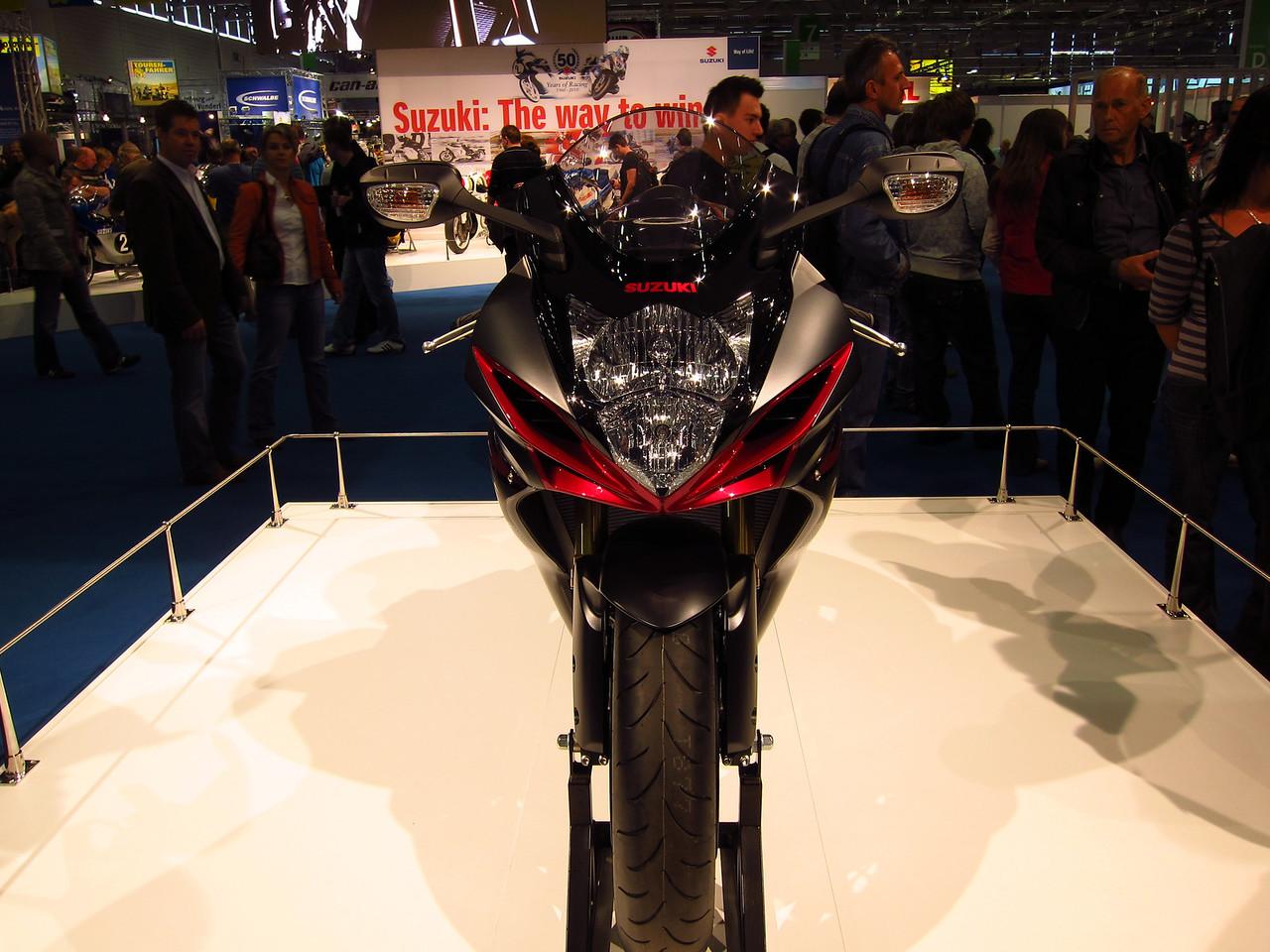 2011 SUZUKI GSX-R - Σελίδα 3 1041872855_AsU4w-X2
