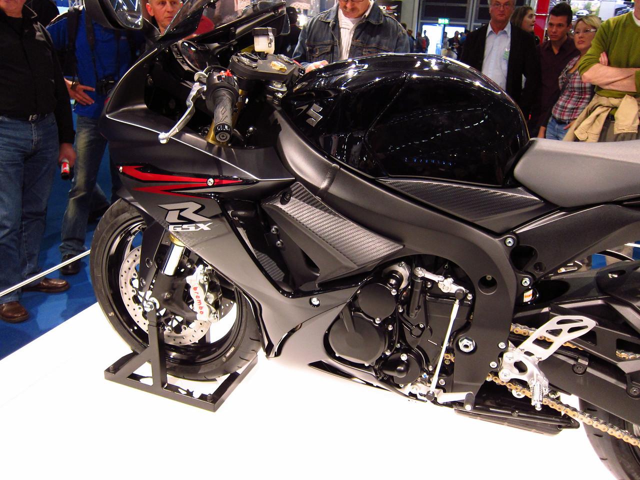 2011 SUZUKI GSX-R - Σελίδα 3 1041876020_6e5CF-X2