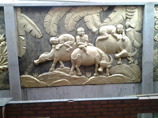 Nội, ngoại thất: Giá đắp phù điêu nổi trên tường Dap-tranh-phu-dieu-1-6
