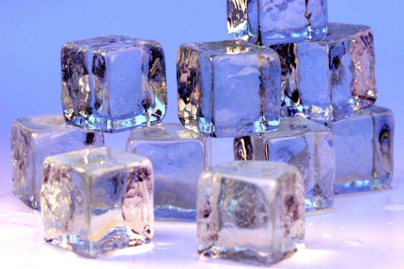 عندما ينصهر الجليد طوعا Ice_cubes