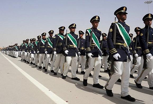 الموسوعه الفوغترافيه لصور القوات البريه الملكيه السعوديه (rslf) - صفحة 27 ZhBdo