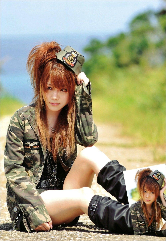 أحلى فوتوبوك لـEri & Sayumi & Reina  Pb4n