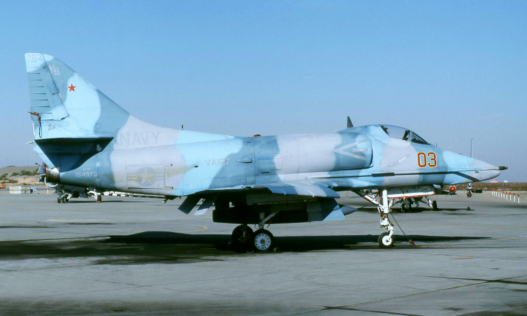 [ESCI] A4F Super Fox VA-127 Aggressor Aero_a-4_062