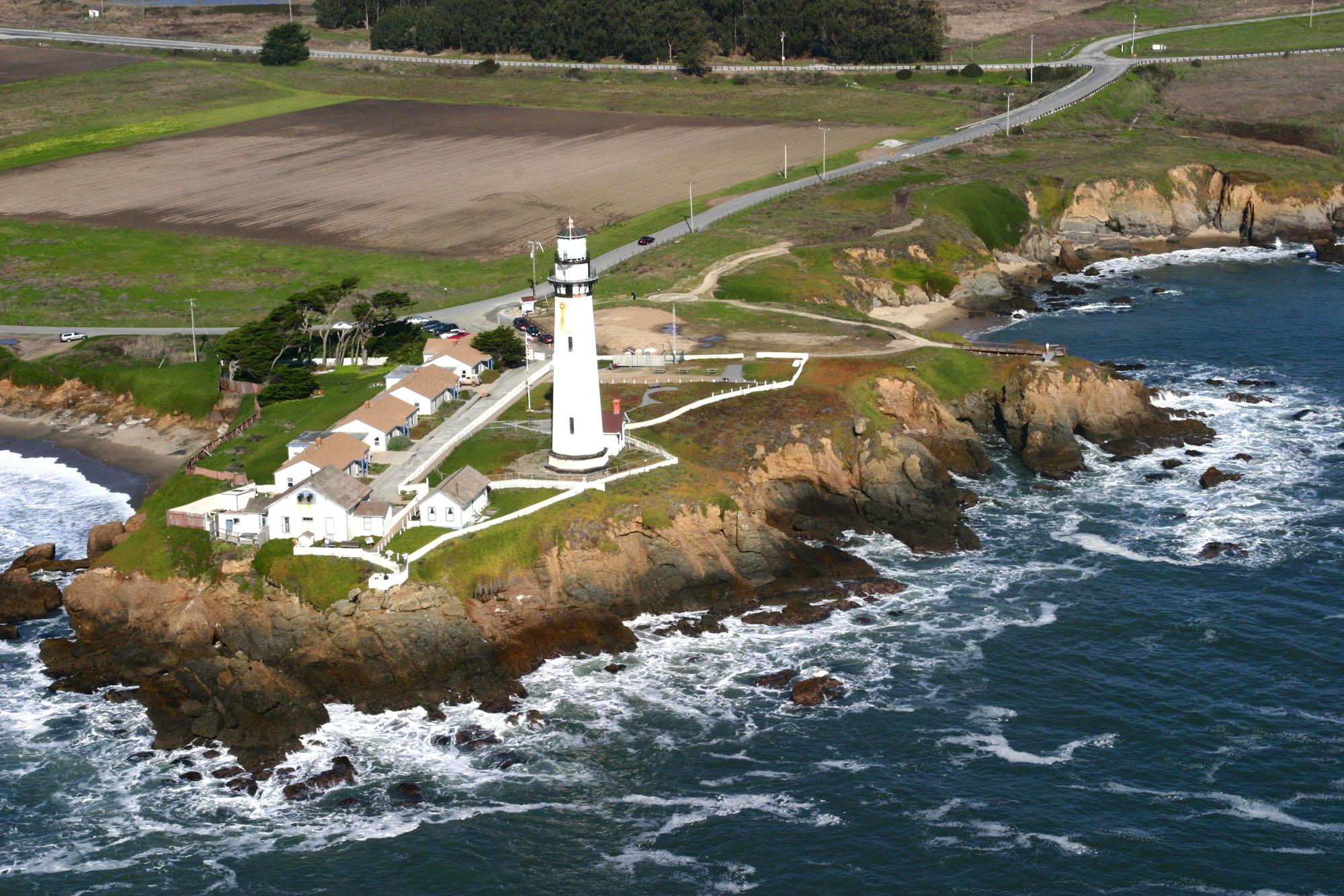 Najlepši svetionici sveta Pigeon-point-lighthouse-c-Jitze-Couperus