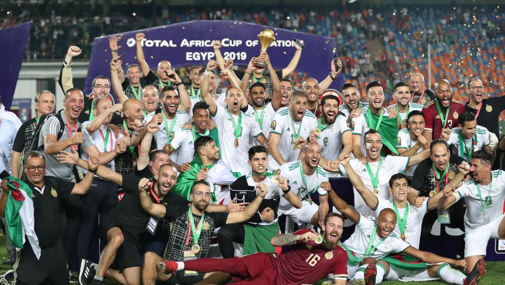 CAN 2019-COUPE D'AFRIQUE DES NATIONS - Page 5 2019-07-19t214803z_934673197_rc18e84945b0_rtrmadp_3_soccer-nations-sen-dza_0