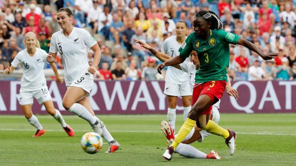 Coupe du monde féminine de football 2019 - Page 14 2019-06-20t172033z_1297080383_rc1edc73e5a0_rtrmadp_3_soccer-worldcup-cmr-nzl_0