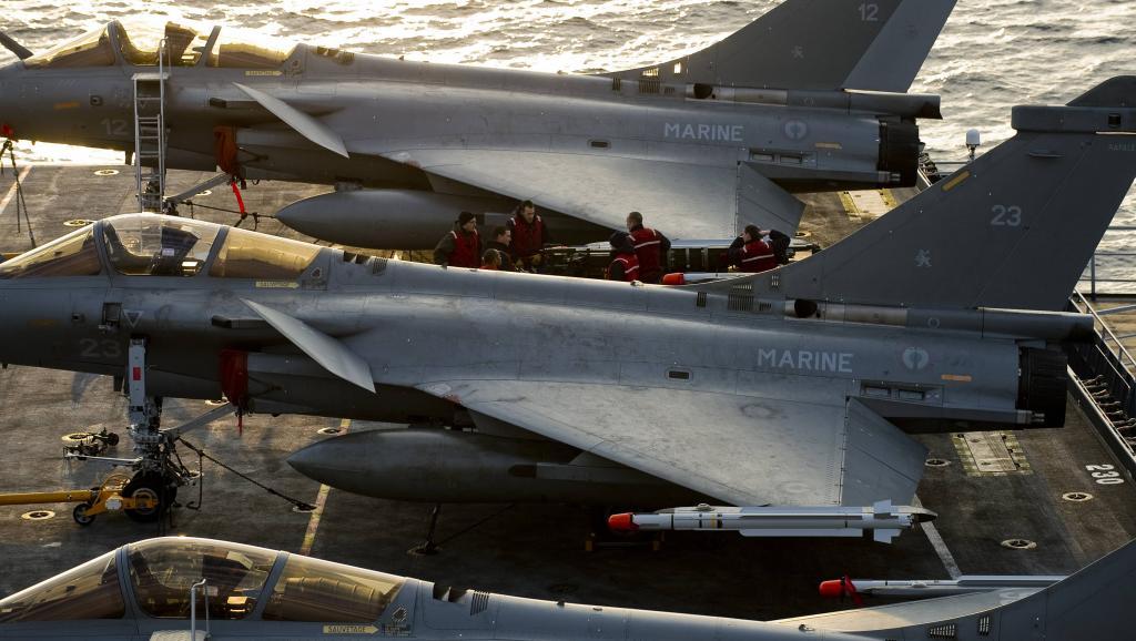 marine et aéronavale 2011-03-24T120055Z_1777289558_PM1E73O0YZO01_RTRMADP_3_LIBYA-FRANCE_0