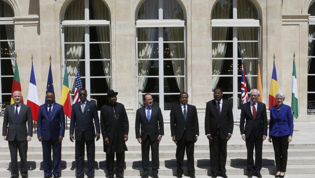 La Frans pran inisyativ pou kontre konn kont gwoup teroris Boko Haram o Nijerya 2014-05-17T125704Z_94456232_LR2EA5H0ZYU4A_RTRMADP_3_NIGERIA-VIOLENCE_0