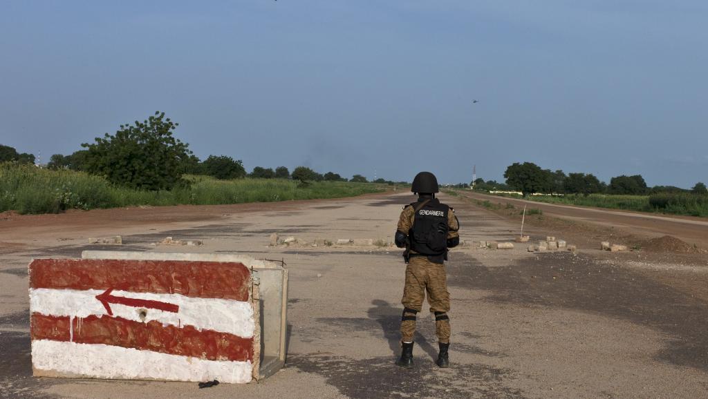 Armée nationale Burkinabé / Military of Burkina Faso - Page 3 2015-09-29T202304Z_863755024_GF10000226784_RTRMADP_3_BURKINA-ARMY_0