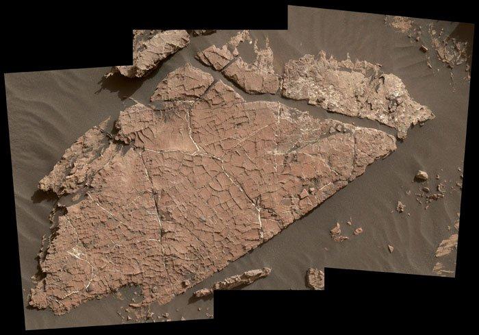 Des traces de boue séchée retrouvées sur Mars 123298737-curiosity-1
