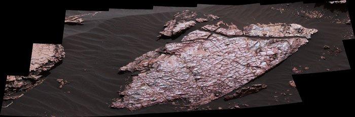 Des traces de boue séchée retrouvées sur Mars 123298737-curiosity-2