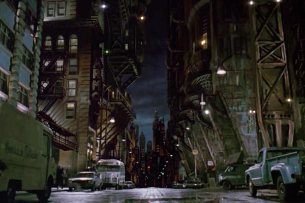 Legend of the Dark Knight : « la Mort est un mâle, un mal nécessaire » [Bat stretch Man and Mitch] GothamCity2