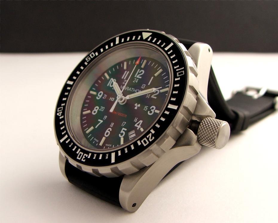 À la recherche de ma future tool watch... 1084_031-930x744
