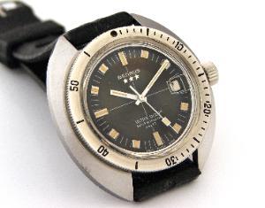Great dive watch website... 10981_023-300x235