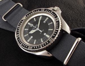 Great dive watch website... 748_002-300x235