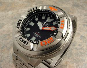 Great dive watch website... 890_003-300x235