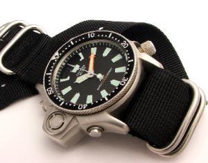 Great dive watch website... 900_001-300x235
