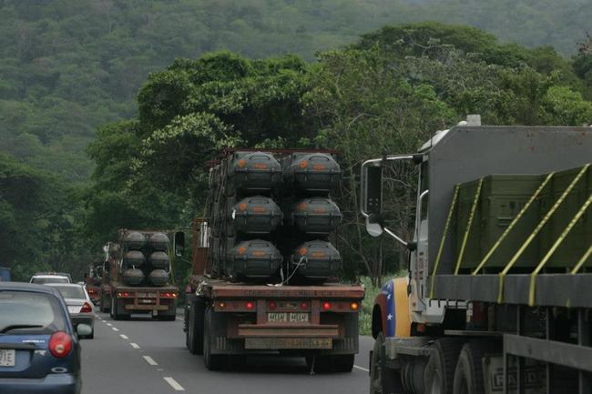Fuerza Armada Nacional Bolivariana de Venezuela ZmF2Y2x1Yi5wb3d3ZWIuY29tL2Jsb2cvd3AtY29udGVudC91cGxvYWRzLzIwMTMvMDQvVHJhc2xhZG9fbWlzaWxlc19OVC0zLmpwZz9fX2lkPTMxODA4