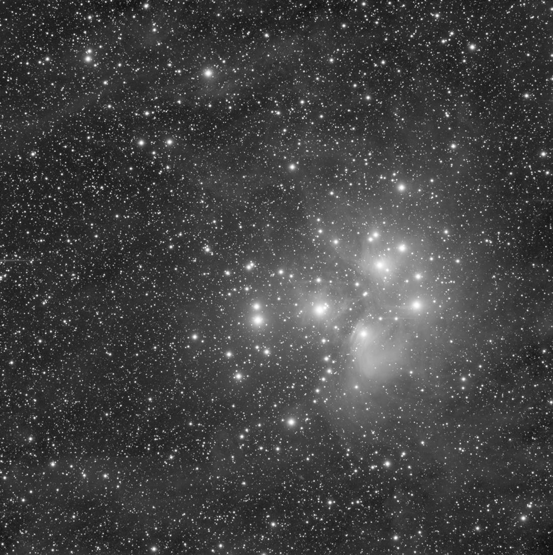 M45 luminance et... un trou de vers :-) M45_lumin