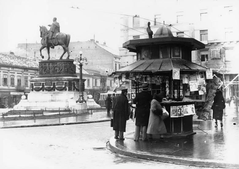 Slike starog Beograda - Page 4 Kiosk-Trg-republike