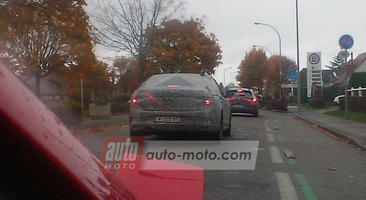 2016 - [Renault] Megane Sedan (LFF) OkIMAG0433-750x4101-750x410