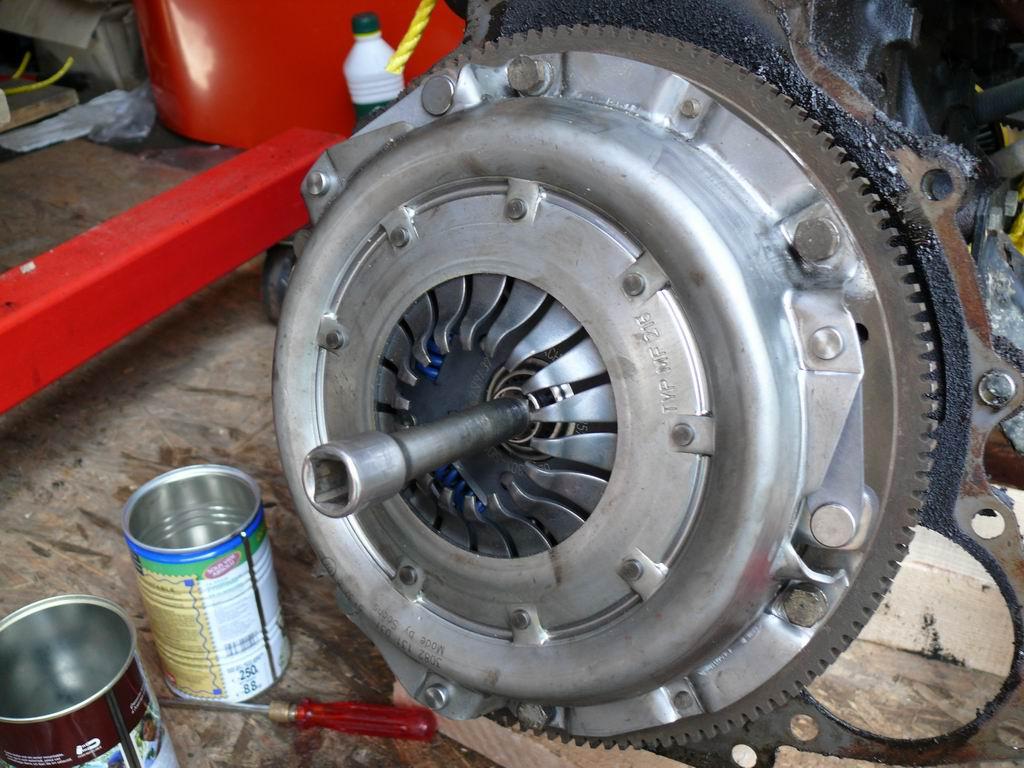 [Mk2] Mon Mk2 essence vermillon - Page 2 Transit-embrayage-8-sept2010072