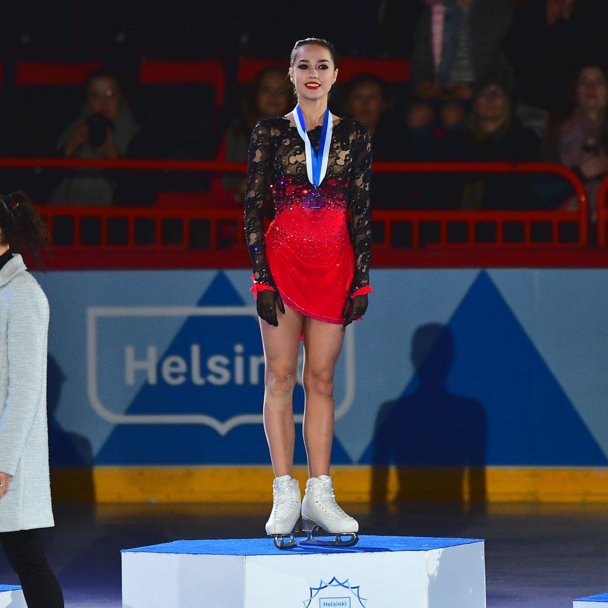 Алина Ильназовна Загитова-2   Олимпийская чемпионка - Страница 2 WBU1r