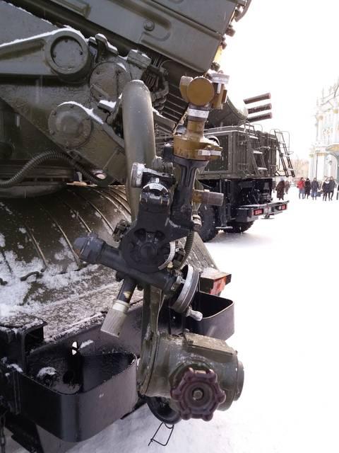 9К51 «Град» - 122-мм реактивная система залпового огня DTlAX