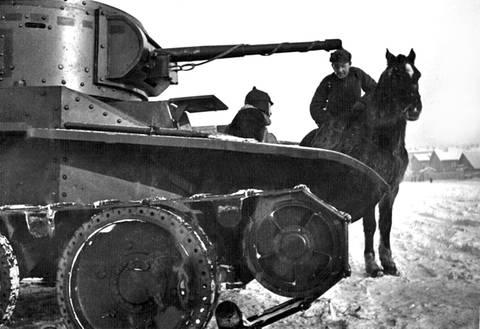 БТ-5 - лёгкий колесно-гусеничный танк PTuFk