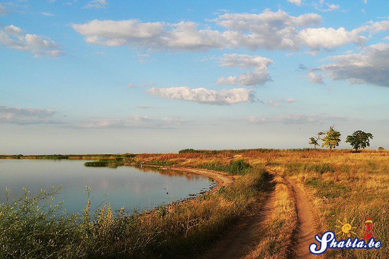 Черния път край езерото  Durankulak_lake_road