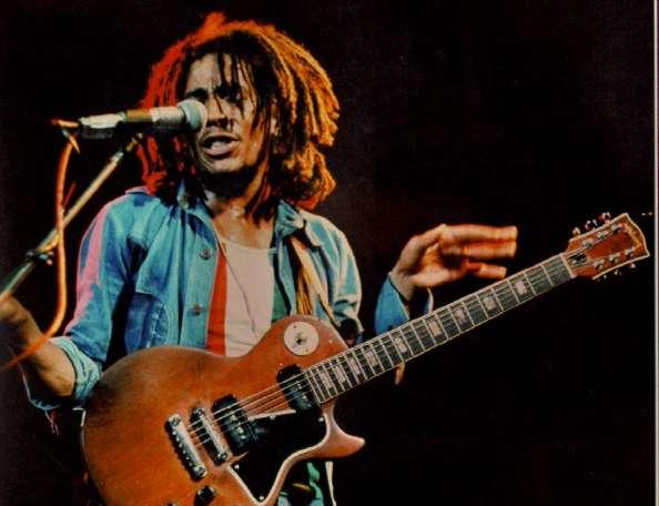 Guitarristas y su Guitarras (El Topic) SMG_Bob_Marley