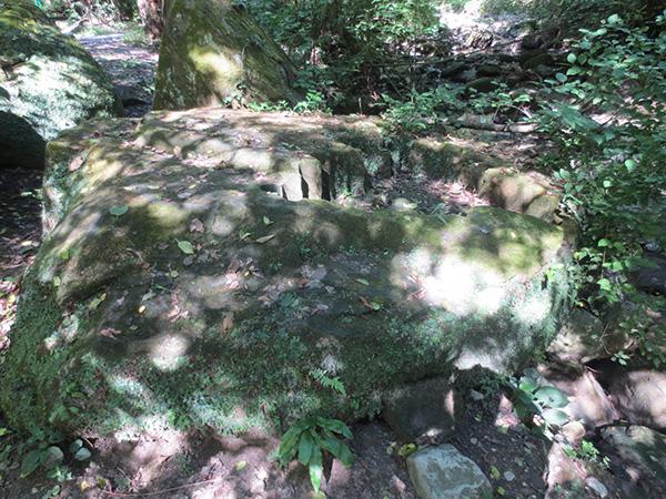 Экспедиции к выпаривателям родниковой воды - Страница 33 Figurnye_otverstiya_img_6648