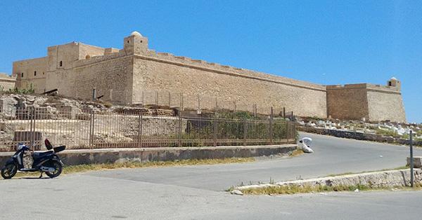 Экспедиции к выпаривателям родниковой воды - Страница 27 Tunis_o_djerba_krepost_borj-el-kebir