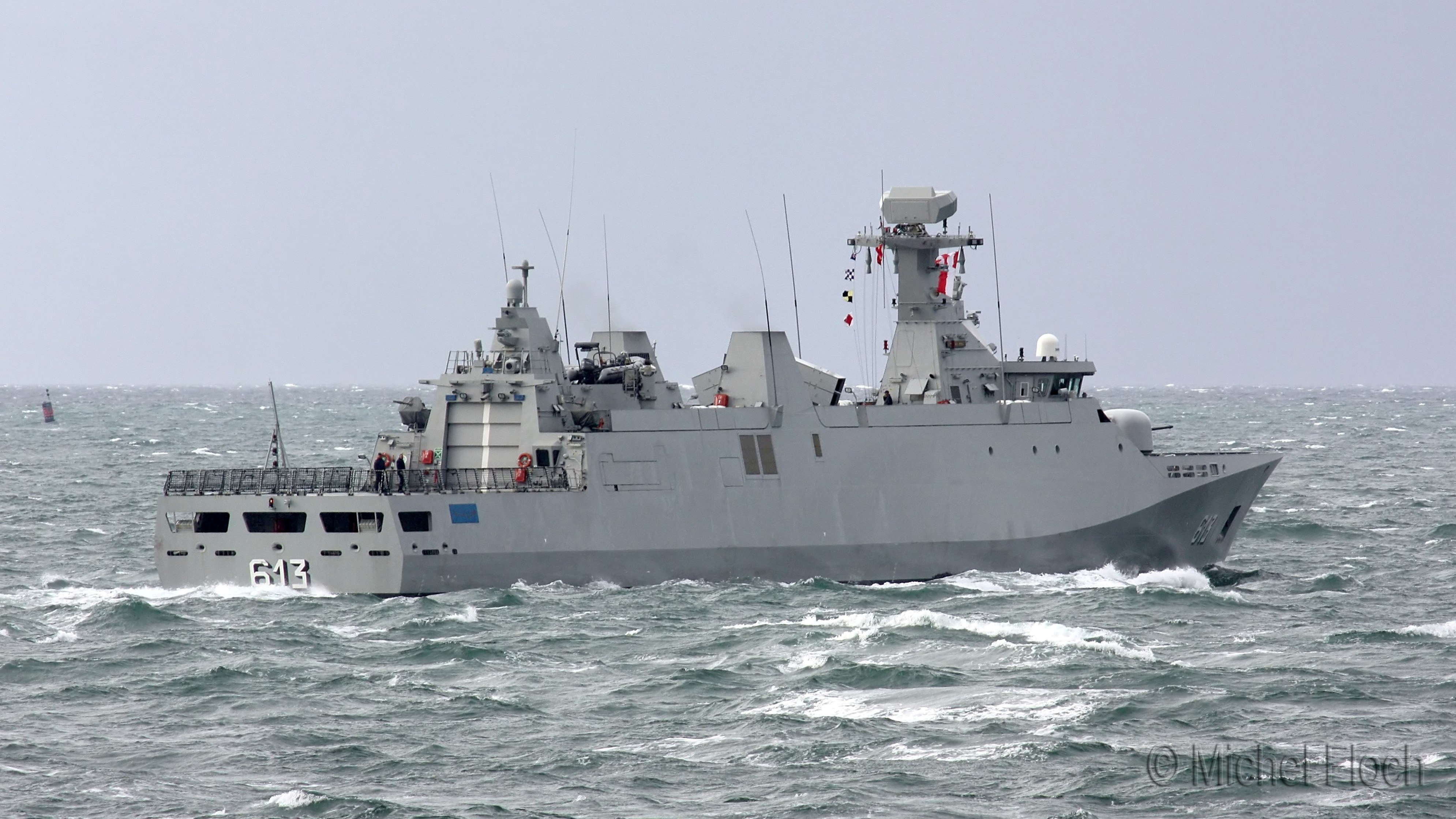 Royal Moroccan Navy Sigma class frigates / Frégates marocaines multimissions Sigma - Page 13 1773693