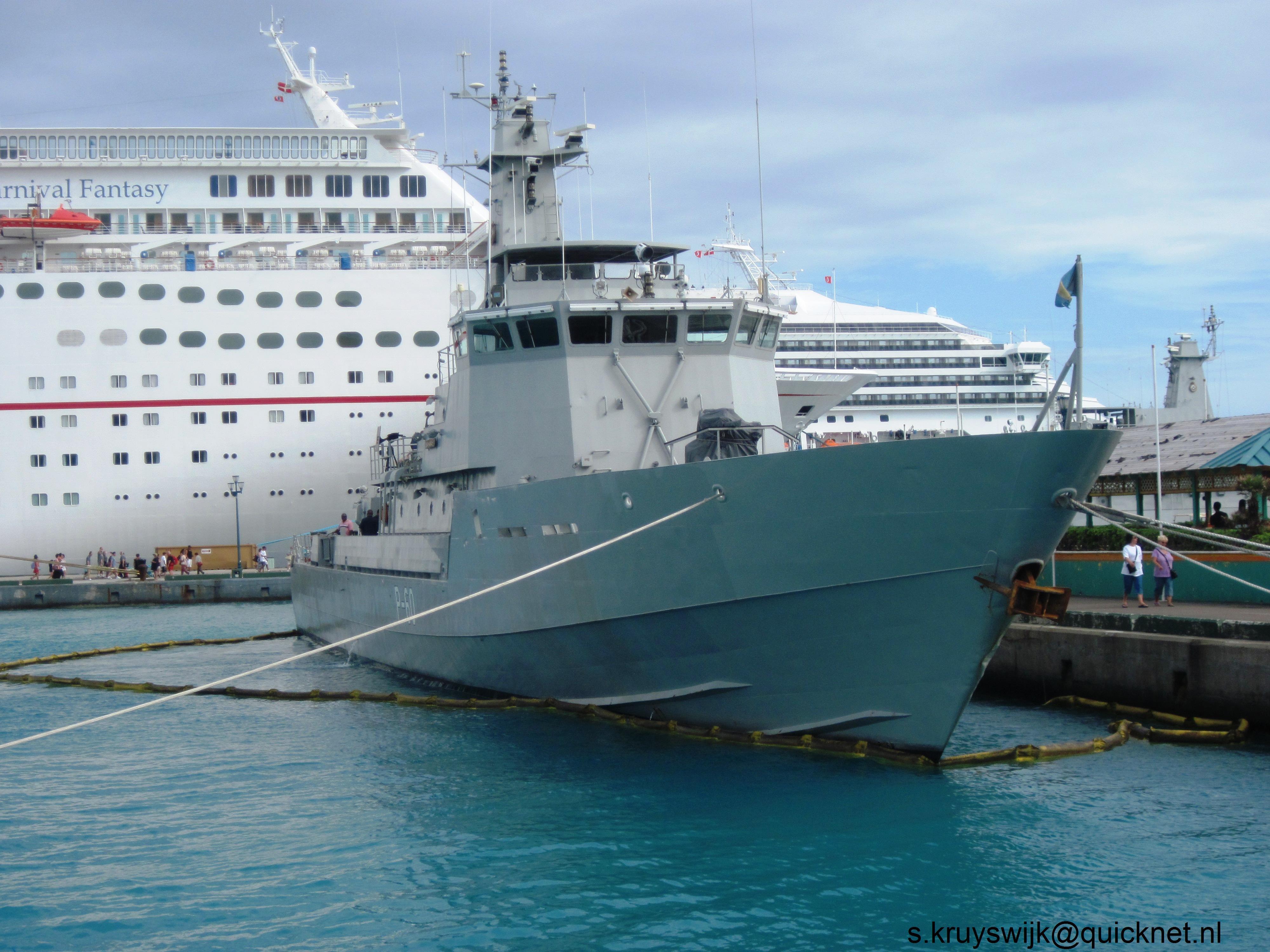 Armée des Bahamas / Royal Bahamas Defence Force ( RBDF ) 1525257