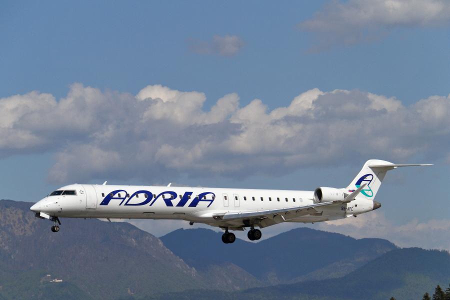Adria Airways Slovenija - Page 5 Img3416