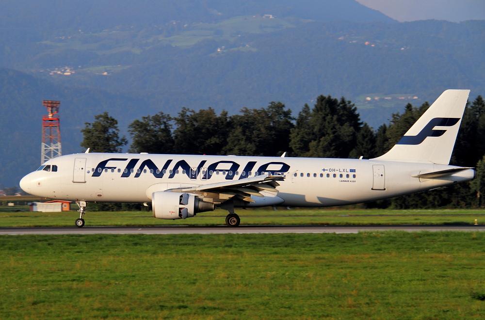 Zrakoplovi na letališču Brnik (Ljubljana) Img4263a