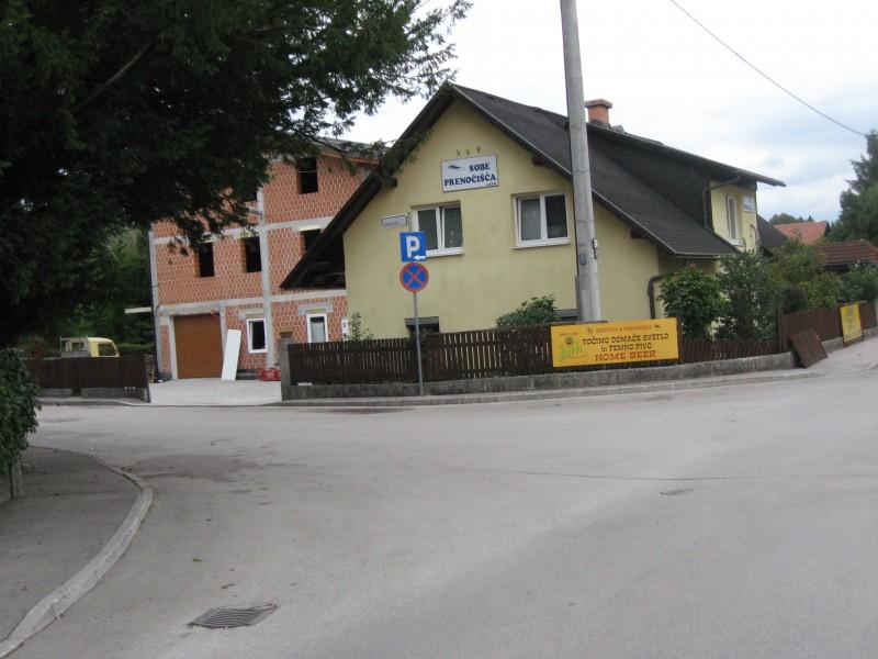 Ljubljana, kasarna Boris Kidrič - Page 3 Img0378