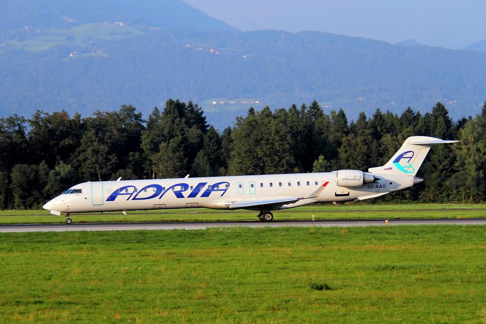 Adria Airways Slovenija - Page 4 Img4220