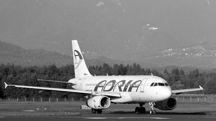 Adria Airways Slovenija - Page 5 Img5778