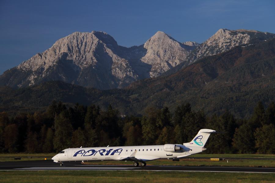 Adria Airways Slovenija - Page 5 Img4799