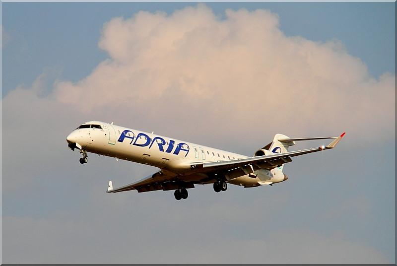 Zrakoplovi na letališču Brnik (Ljubljana) Img2785